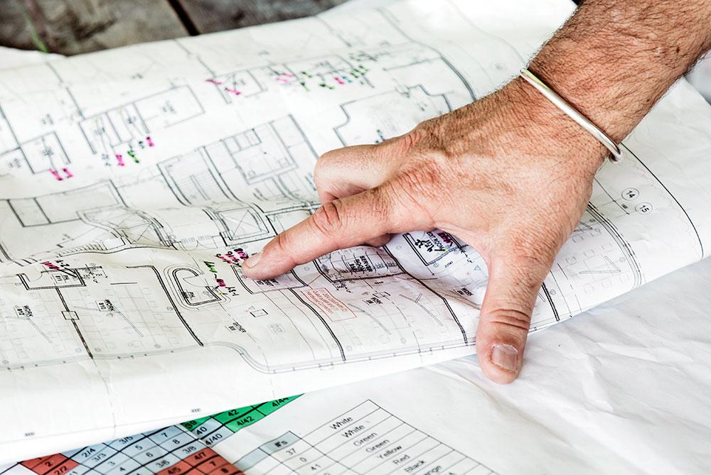 Plans sur mesure-rénovation-colombes-92 Rénovation totale ou extension de votre intérieur Conception et réalisation Assainissement et Aménagement de sous-sols Cloisons et faux-plafonds Tous types de sols Isolation Huisseries Chauffage Électricité Salles de bain Cuisine Terrasse Éclairage extérieur…