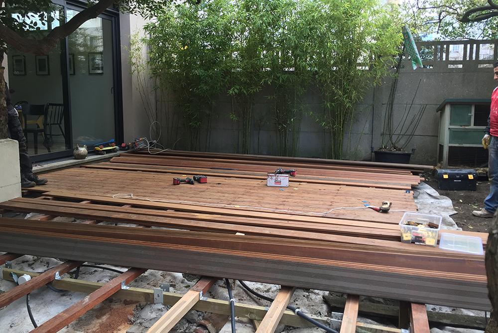 Terrasse en bois exotique ou en carrelage Pose de pavés Arrosage automatique Éclairage extérieur Aménagement de jardins Colombes-92-atelier-pascal-noyere